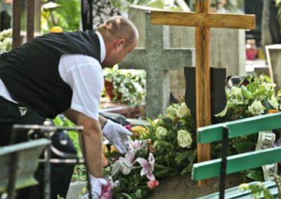 Pielęgncja grobów